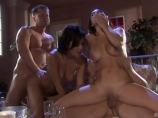 Hardcore porn notability threesome with slutty Ruby Knox and Holly West