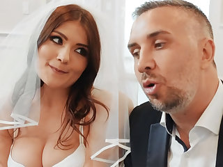 Young beauty fuck her groom's best join up