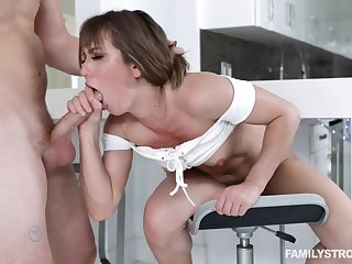 Tight Babe With Downcast Legs Paige Owens Hardcore Rough Sex Flick