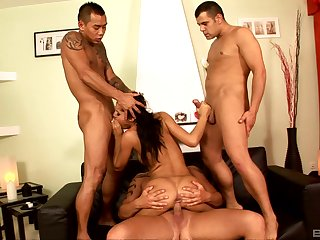 Group hardcore in severe scenes be required of Zuleidy Lapiedra