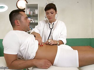 British nurse Ava Dalush gives a blowjob increased by gets nailed by one unpredictable intensify patient