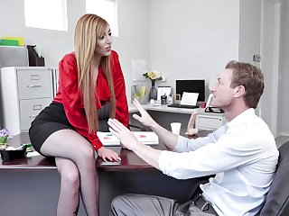 Redhead wants someone's skin new guy to show her his magic tricks