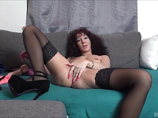 Solo tyro mature, naughty toy porn on live cam