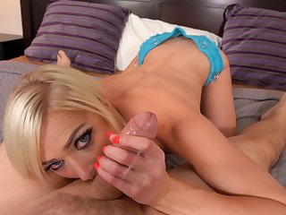 Hungering blonde spins the inches in magical POV oral