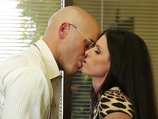Fucking slutty India Summer beside his office gets him off